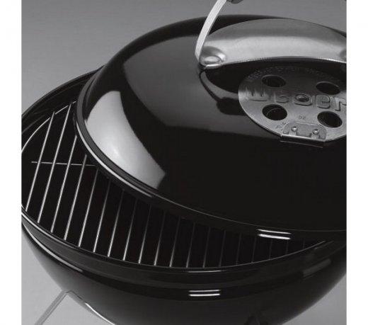 Churrasqueira a Carvão Weber Smokey Joe Preta em Aço com Alça de Nylon Compacta
