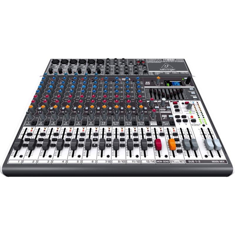 Mixer / Mesa de Som Xenyx X1832USB Behringer Bivolt com 18 Entradas de Áudio