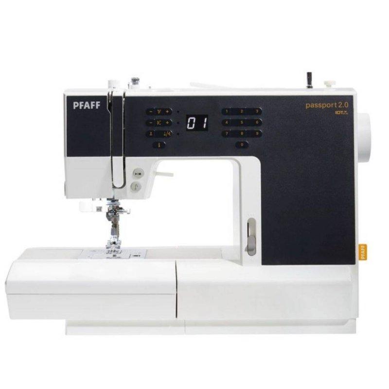 Máquina de costura Passport 2.0 eletrônica de uso doméstico 70 Pontos Bivolt 70W PFAFF Branco