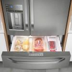 Geladeira French Door Electrolux com Dispenser de Agua e Gelo na Porta 540L Inox DM90X 127V